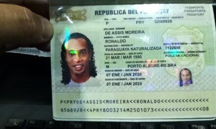 Ronaldinho dice que fue un regalo el pasaporte falso