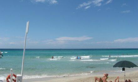 Italianos podrán reservar su espacio en la playa
