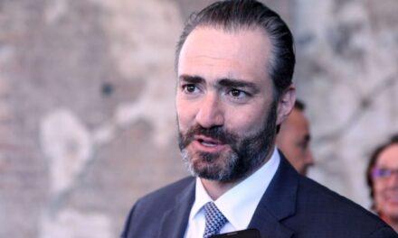 Acusan a ex Ministro Asisclo Valladares de lavado de USD 10 millones