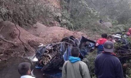 Mueren 10 personas por caída de vehículo en un barranco de San Marcos