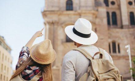 Las variantes del COVID-19 amenazan la reactivación del turismo