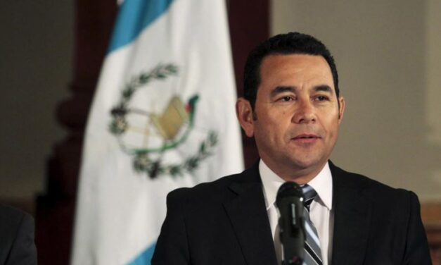 Solicitan el retiro de antejuicio contra el expresidente Jimmy Morales