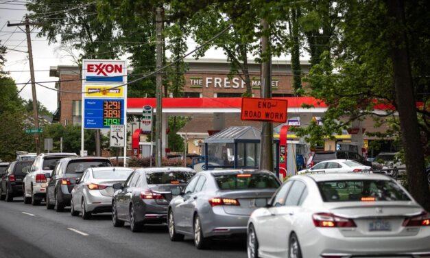 Se dispara la demanda de gasolina en EE.UU tras ciberataque de oleoductos