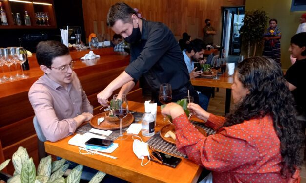 Gremio restaurantero comprometido con el cuidado de sus comensales